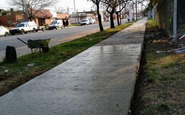 Avanza la construcción de veredas en la Avenida 3 de Febrero